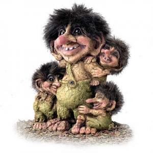 Troll Nyform 267, NyForm Troll - NyForm Troll (medium) - Norwegian Troll natural material, subject to international collection. Height: 18 cm
