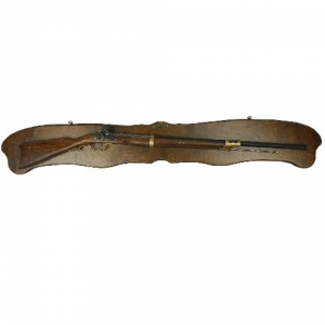 Long Panel with rifle, Medieval - Firearms - Guns - Long Panel with rifle, complete with rifle. Made entirely of aged wood and shaped, dimensions: 130x20 Centimeters.
