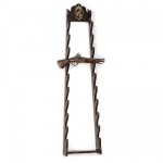 Medieval - Firearms - Bare exhibitors - Exhibitor in shaped wood, provided with metal hooks to hang it from the wall. Formed by a base, size: height 117 cms, width 29 cms,