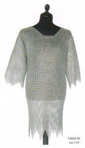 Wire mesh with points, thirteenth century, Armours - Medieval Body Armour - Cooked in an iron mesh, type coat, consisting of a mixture of iron rings that form a wire mesh reinforcement.