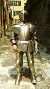 Medieval Knight Armor: Medieval Italian Armor, Armours - Medieval Armour - Medieval Knight Armor replica of a fifteenth-century armor. Medieval Italian armor  made of steel with brass fixtures, handmade, this armor should be adjusted to your measurements,