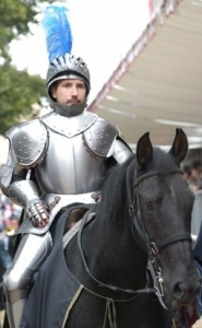 Medieval Knight Armor, Armours - Medieval Armour - Medieval Knight Armor for parade, made of steel and fully wearable handmade, fitted with a wooden base and fitted with steel sword. This armor should be adjusted to your measurements.