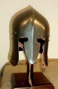 Sallet to Venetian, Armours - Medieval Helmets - Sallet to Venetian, attached to the head marked by a rib midway between the hairline and neck.