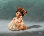 Sibania Porcelain Figurines - Girl porcelain figurine, Porcelain sculpture depicting a young girl, Doré, height 9,5cm (3.7 in), Wonderful porcelain sculpture, entirely handmade in Italy.