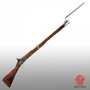 """Brown Bess musket, Medieval - Firearms - Guns - The """"Brown Bess"""" flintlock musket constituted the backbone of the weaponry of the Britannic army starting from the second half of the XVIIIth century, overall lemght 150 cms. bayonet lenght 40 cms."""