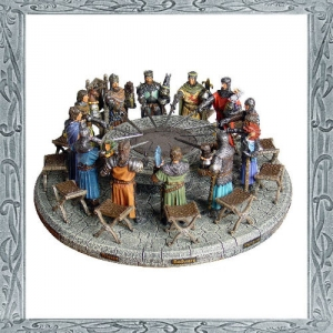 Round Table, Medieval - Historical Miniatures - Round Table with King Arthur and the knights of the Arthurian legend. Resin, size 47x47cm.