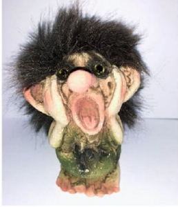 Troll Nyform 04, NyForm Troll - NyForm Troll News - Norwegian Troll natural material, subject to international collection. Height: 9.0 cm