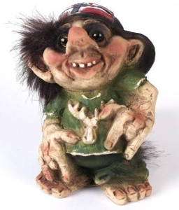 Nyform Troll 39, NyForm Troll - NyForm Troll News - Norwegian Troll natural material, subject to international collection. Height: 10,5 cm